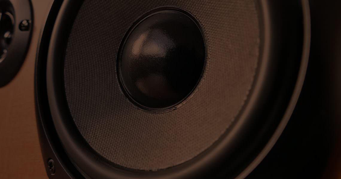 blog_studio_monitor_placement_thumb_@2x