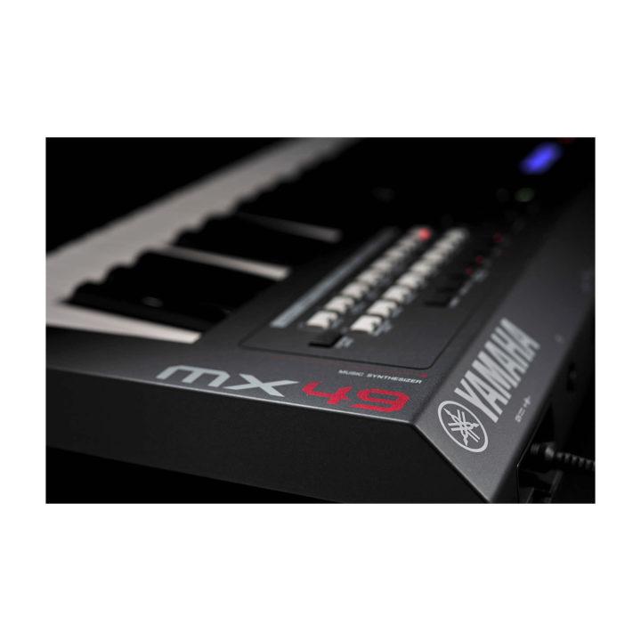 Yamaha MX49 8