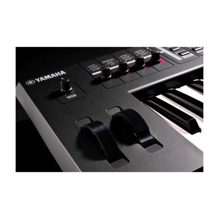 Yamaha MX49 9