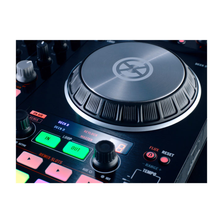 Native Instruments Traktor Kontrol S4 Mk2 6
