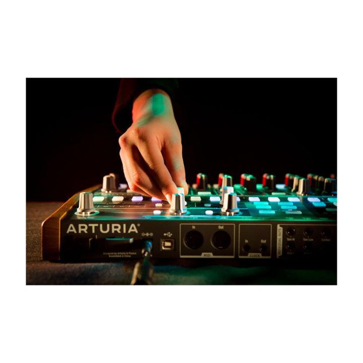 Arturia DrumBrute 7