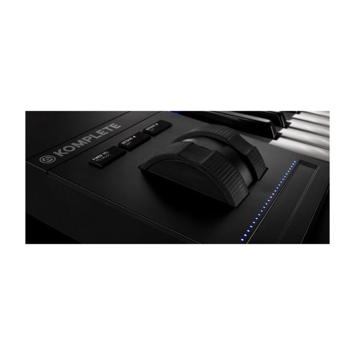 Native Instruments Komplete Kontrol S61 MK2 4